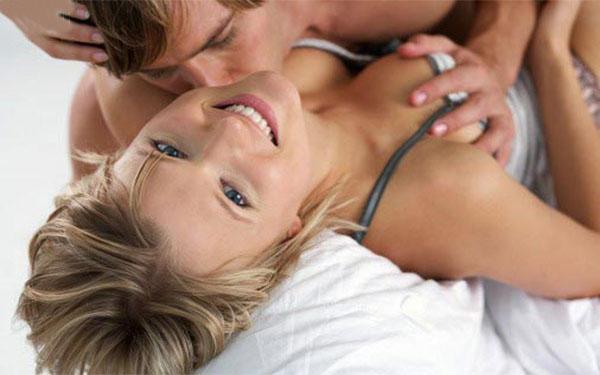 Những cách kích thích vú để khiến nàng say mê trong quan hệ